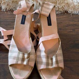 Pink Burberry sandal